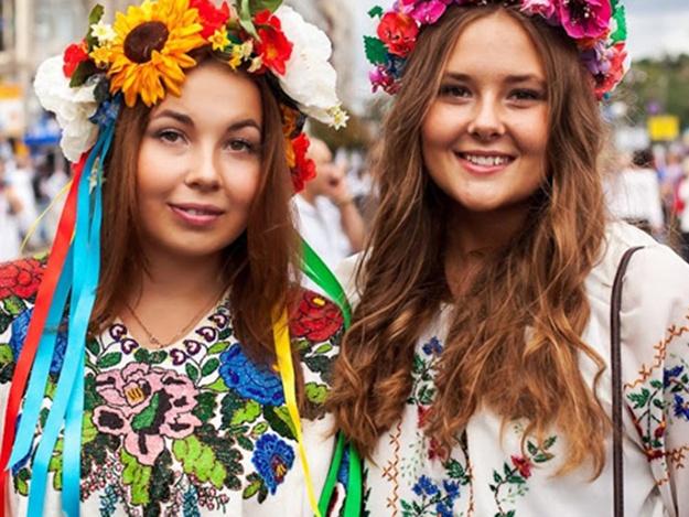 Львів ян закликають одягти вишиванки. Програма святкувань 94bf0f1d16ff6