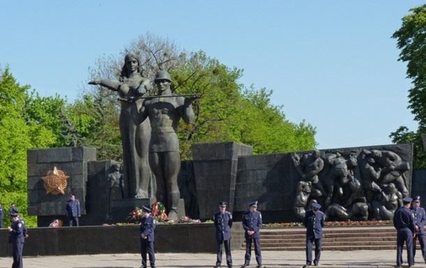 УЛьвові планують демонтувати частину Монументу Слави