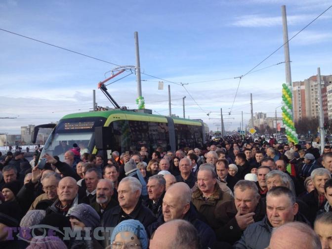 Фотофакт: як у Львові запустили перший трамвай на Сихів фото 1
