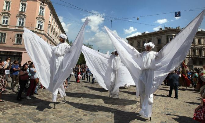 Святкова хода, Король Лев і Королева Констанція, Berbeque Fest: як львів'яни святкують День міста фото