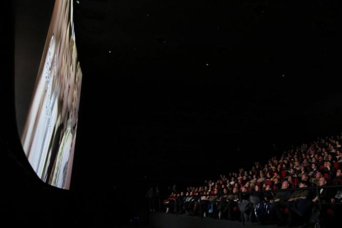 Близько півтисячі школярів з'їхались на благодійний показ фільму до Франківська (відеосюжет)