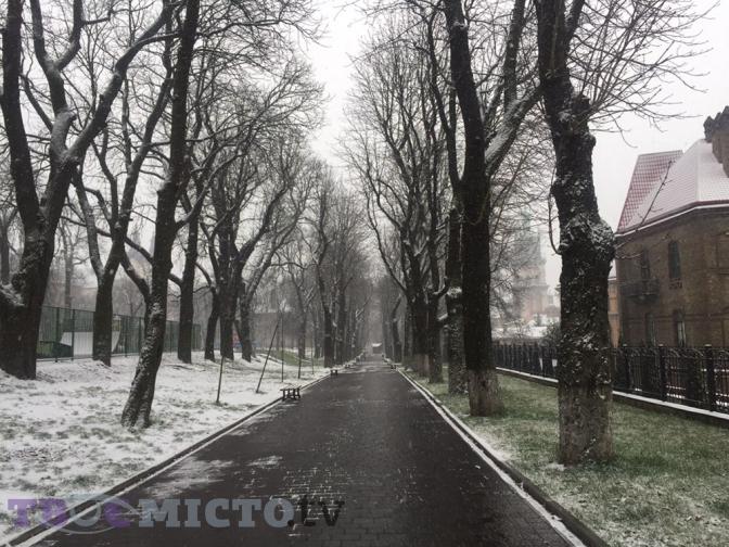 Потепління і знову мороз. Прогноз погоди у Львові на тиждень 27ad9eaff8608