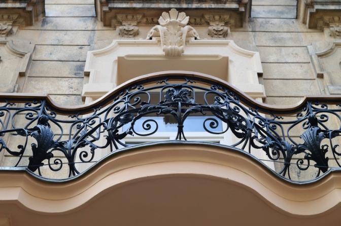 Фотофакт: у Львові реставрують старовинні балкони фото 2