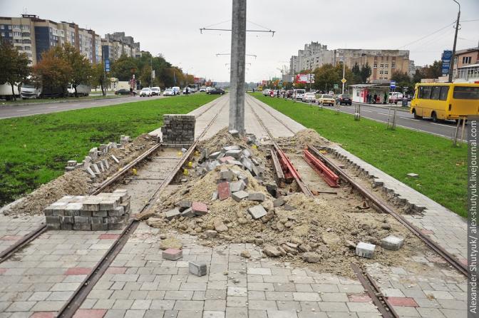 Фінал будівництва трамвайної колії на Сихів: фотохроніка фото 7