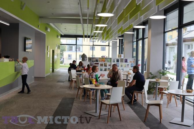 Бібліотека майбутнього: у Львові відкрили Центр Шептицького фото 7