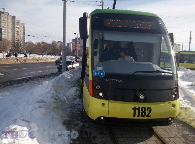 Фотофакт: як у Львові запустили перший трамвай на Сихів фото 2