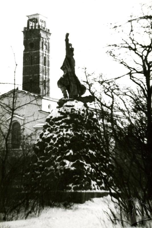 Колись і тепер: як виглядали львівські парки фото 9