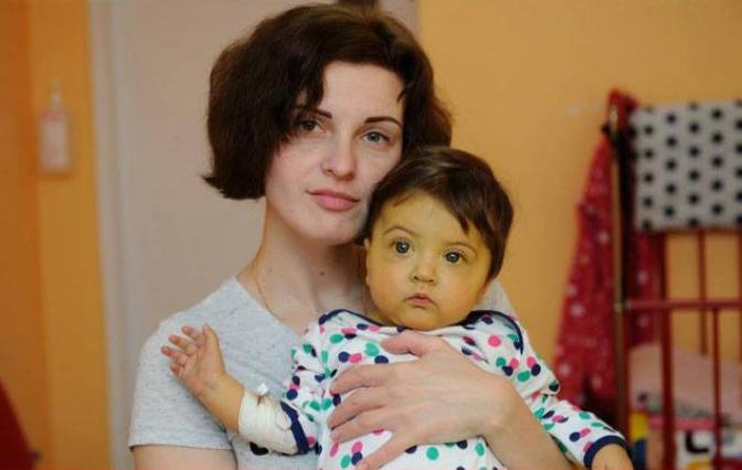 """фото: спільнота """"Врятуємо Катрусю - термінова трансплантація печінки!"""" у Facebook"""