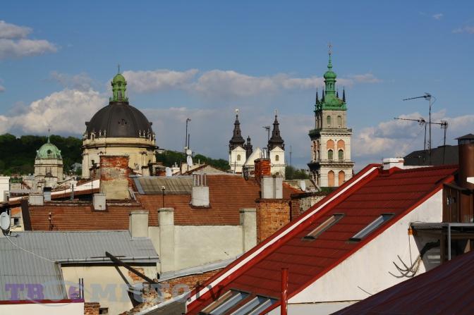 Тераса на даху готелю «Швейцарський» 8e22d4c86e74a