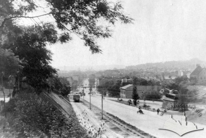 Колись і тепер: як виглядали львівські парки фото 5