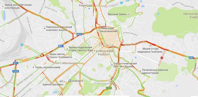 Куди краще не їхати: перелік вулиць Львова, які застрягли в заторах фото