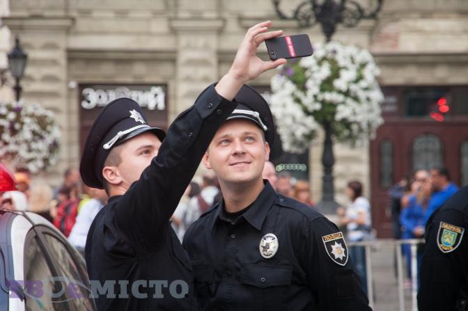 фото з присяги патрульних 23 серпня 2015 року