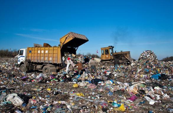 Величезна сміттєзвалище на Рогатинщині може стати загрозою для довкілля (відеосюжет)