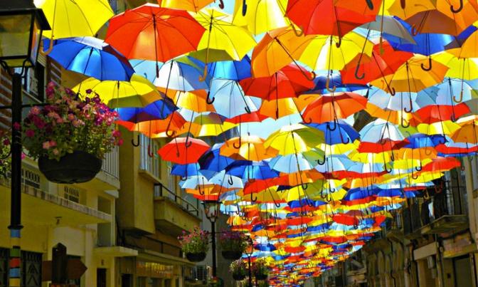 """Результат пошуку зображень за запитом """"вулиця з парасольок"""""""