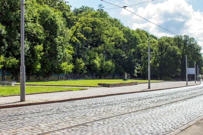 Фрагмент сучасної вулиці Вітовського, де колись був став (фото: photo-lviv.in.uа)